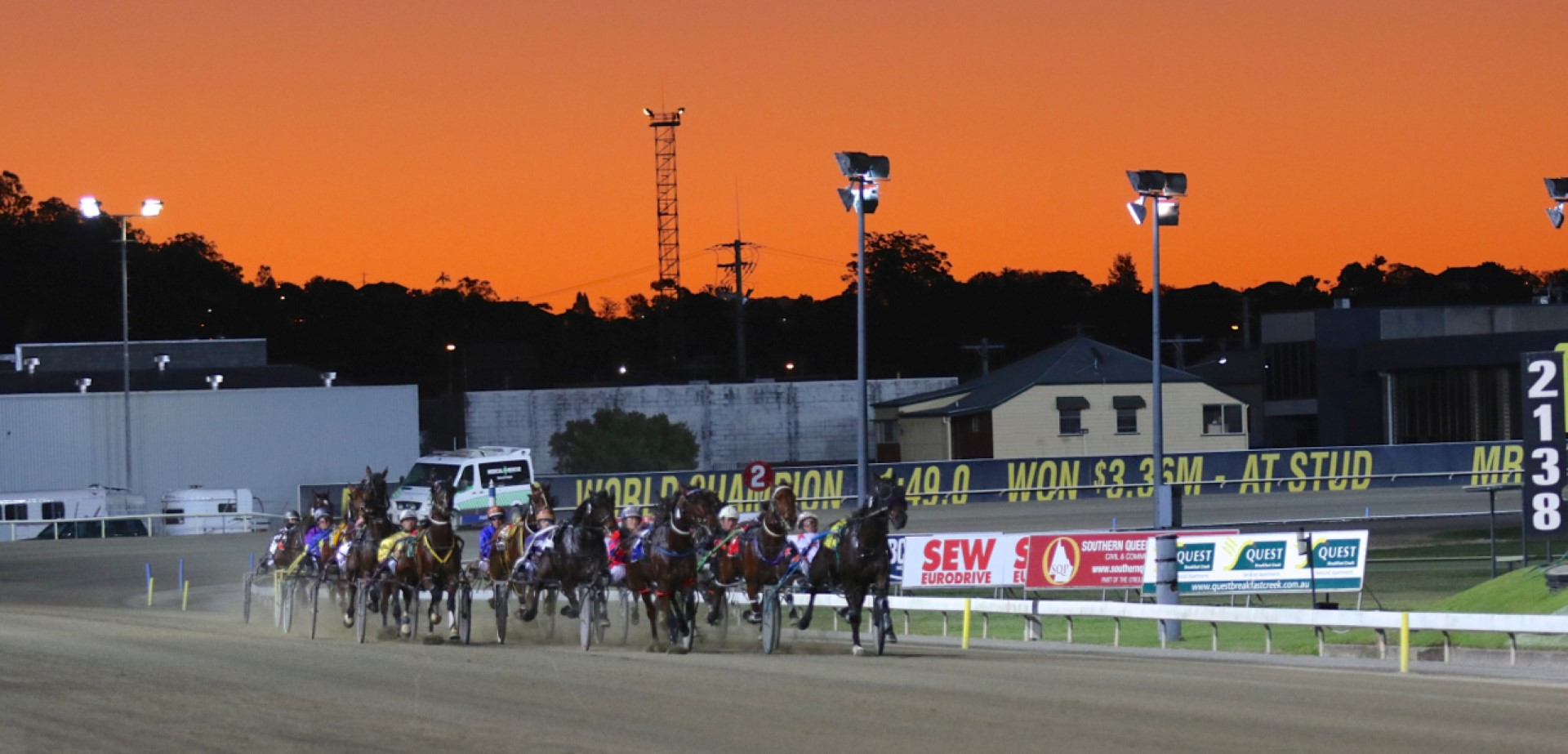 Summer racing at albion park harness racing club